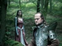 Trauriger Ritter der auf seine Prinzessin hofft